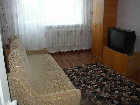 Однокомнатная квартирапосуточно в Евпатории, ул. Дёмышева. Фото 1