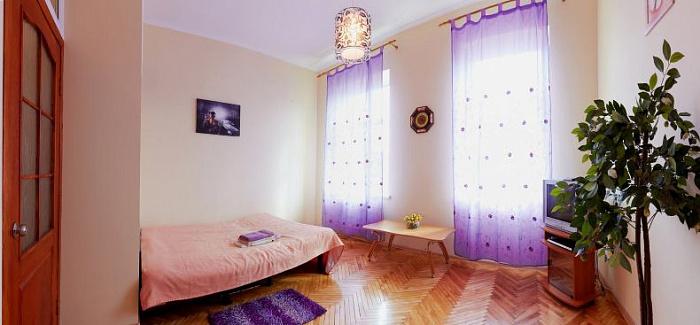 Однокомнатная квартирапосуточно в Луцке, Проспект Волі , 16. Фото 1