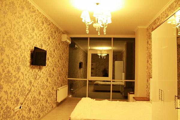 Двухкомнатная квартирапосуточно в Одессе. Приморский район, ул. Генуэзская, 24а. Фото 1