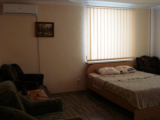 1-комнатная квартира посуточно в Керчи. ул. 23 Мая, 148. Фото 1