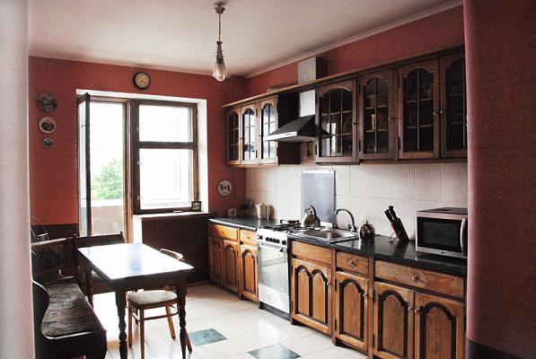 Трехкомнатная квартирапосуточно в Одессе. Приморский район, ул. Маршала Говорова, 3А. Фото 1