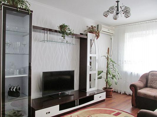 Двухкомнатная квартирапосуточно в Бердянске, ул. Лиепайская , 14. Фото 1