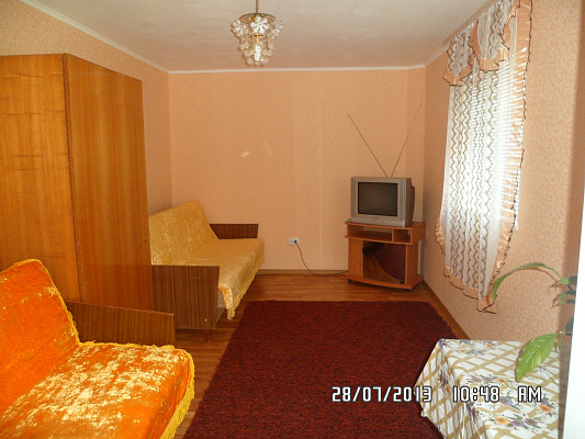Дом посуточно в Бердянске. ул. Красная, 55. Фото 1