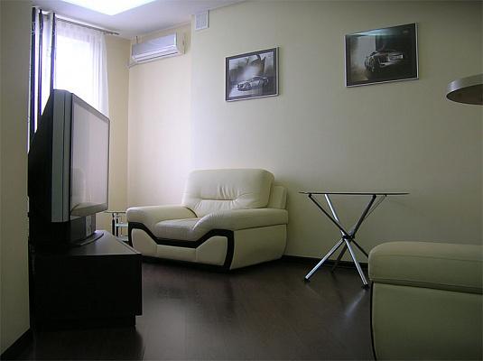Двухкомнатная квартирапосуточно в Одессе. Приморский район, ул.Cреднефонтанская, 19Б. Фото 1