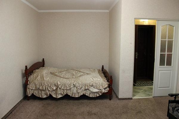 Однокомнатная квартирапосуточно в Чернигове, Деснянский район, Проспект Победы, 102. Фото 1