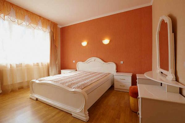 Двухкомнатная квартирапосуточно в Львове. Лычаковский район, ул. Зеленая, 97. Фото 1
