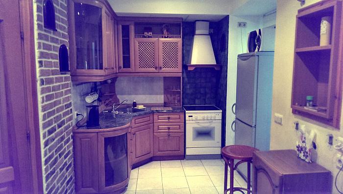 Двухкомнатная квартирапосуточно в Киеве. Печерский район, пл. Бессарабская, 7. Фото 1