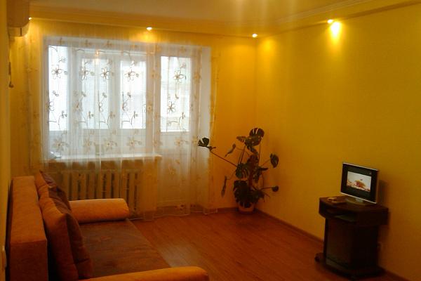 Однокомнатная квартирапосуточно в Бердянске. ул. 12-го Декабря, 7. Фото 1
