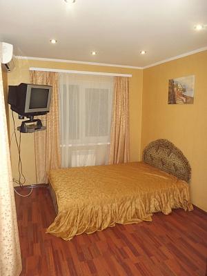 Однокомнатная квартирапосуточно в Евпатории, ул. Интернациональная, 29. Фото 1