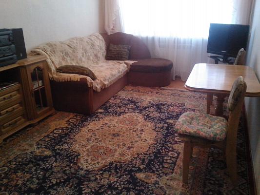 Двухкомнатная квартирапосуточно в Бердянске. ул. Первомайская, 2. Фото 1