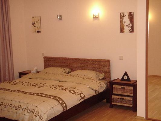 Однокомнатная квартирапосуточно в Мариуполе. Центральный район, пр-т Ленина, 90. Фото 1