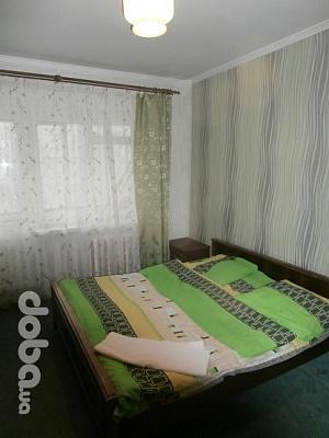 Трехкомнатная квартирапосуточно в Львове, Сыховский район, ул. Сиховская, 30. Фото 1