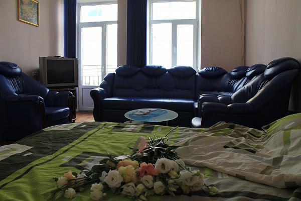 Однокомнатная квартирапосуточно в Одессе. Приморский район, ул. Преображенская, 92. Фото 1