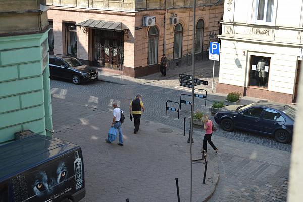 Однокомнатная квартирапосуточно в Львове. Галицкий район, ул. Краковская, 34. Фото 1