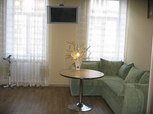 Двухкомнатная квартирапосуточно в Львове, ул. Кулиша, 24. Фото 1