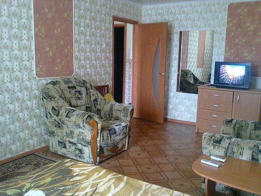 Однокомнатная квартирапосуточно в Луганске, Ленинский район, ул. Титова, 15. Фото 1