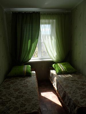 2-кімнатна квартираподобово у Феодосії, пр-т Приморский, 8. Фото 1