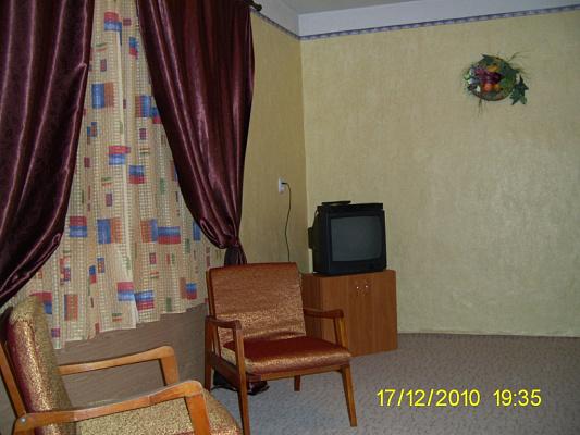 Однокомнатная квартирапосуточно в Ужгороде. ул. Добрянского, 25/1. Фото 1