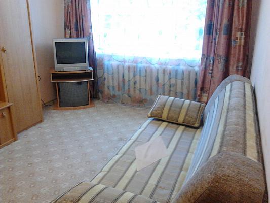Однокомнатная квартирапосуточно в Симферополе. пр-т Кирова, 12а. Фото 1