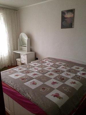 Трехкомнатная квартирапосуточно в Хмельнике. 1Мая, 56. Фото 1