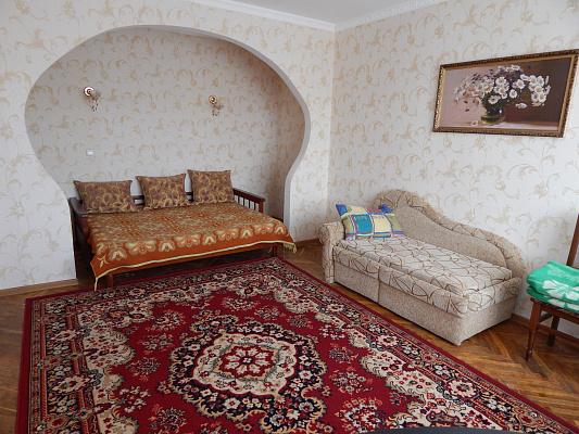 Однокомнатная квартирапосуточно в Миргороде. улица Ивана Билыка , 3. Фото 1