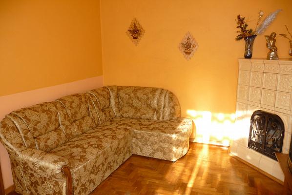 Трехкомнатная квартирапосуточно в Львове. Галицкий район, пр.Свободи, 35. Фото 1