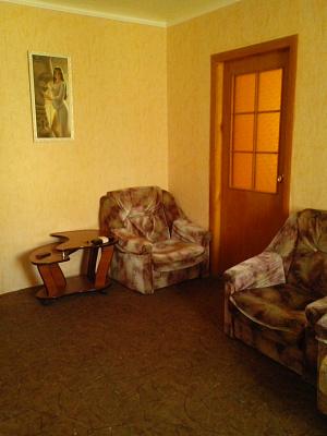 Двухкомнатная квартирапосуточно в Мелитополе, ул. Казарцева, 18. Фото 1
