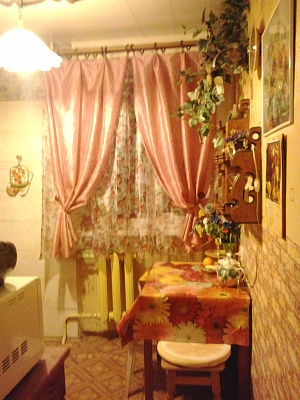 2-кімнатна квартираподобово у Севастополі, Гагарінський район, пр-т Гагаріна, 6-А. Фото 1