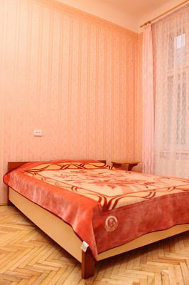 Двухкомнатная квартирапосуточно в Львове, Галицкий район, ул. Театральная, 26. Фото 1