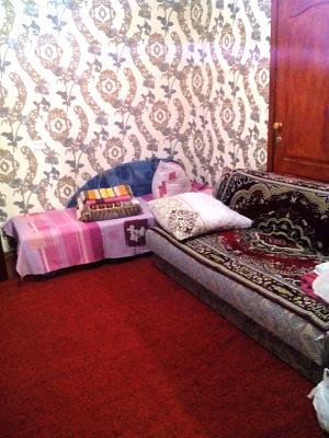 Двухкомнатная квартирапосуточно в Миргороде. пер. Заливной, 12. Фото 1