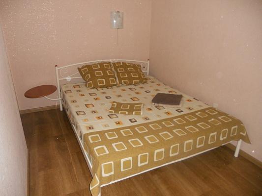 Двухкомнатная квартирапосуточно в Донецке, Калининский район, ул. Капитана Ратникова, 4