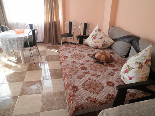 Двухкомнатная квартирапосуточно в Алуште. Генуэзский тупик, 3. Фото 1