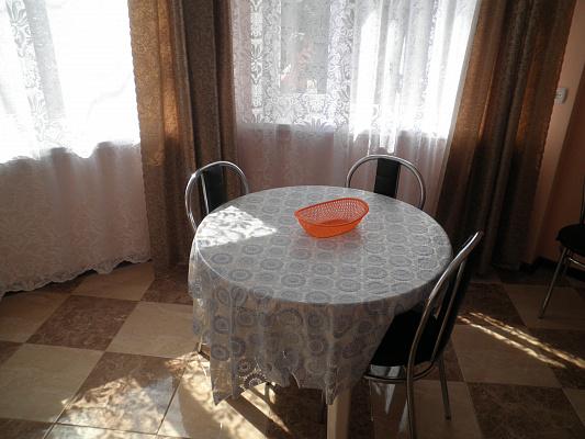 Двухкомнатная квартирапосуточно в Алуште, Генуэзский тупик, 3