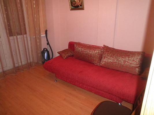 Двухкомнатная квартирапосуточно в Алуште. ул. Ленина, 26. Фото 1