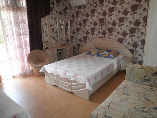 Однокомнатная квартирапосуточно в Алуште. ул. Береговая, 2. Фото 1