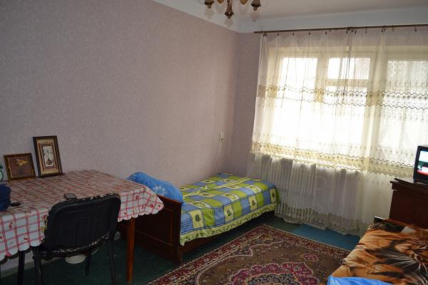Однокомнатная квартирапосуточно в Днепродзержинске (Каменском). матросова, 72. Фото 1