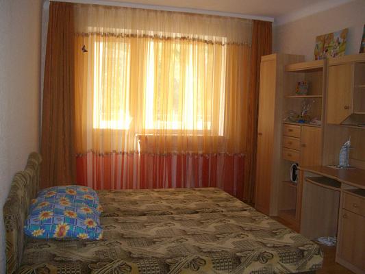 Однокомнатная квартирапосуточно в Симферополе. Железнодорожный район, ул. Спера, 8. Фото 1