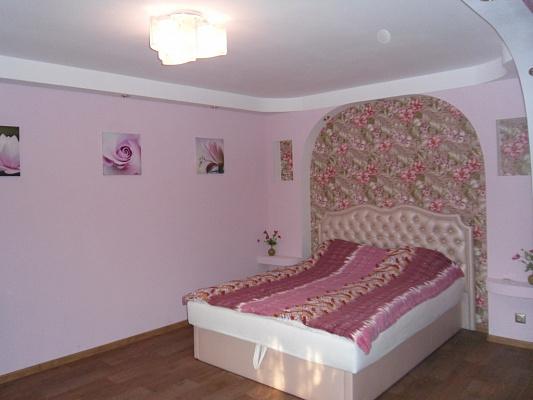 Однокомнатная квартирапосуточно в Симферополе. Центральный район, ул. Севастопольская, 26. Фото 1