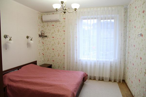 Трехкомнатная квартирапосуточно в Алуште. с. Лавровое, ул. Фрунзенская, 2а. Фото 1