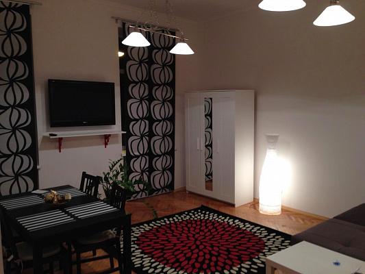 Двухкомнатная квартирапосуточно в Львове. Галицкий район, Кулиша, 39. Фото 1