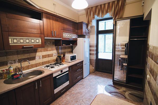 Двухкомнатная квартирапосуточно в Львове. Галицкий район, ул. Бернарда Меретина, 6. Фото 1