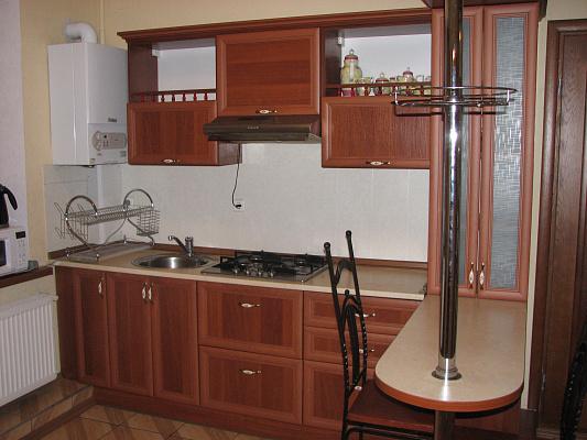 Трехкомнатная квартирапосуточно в Житомире, пер. Шодуаровский, 4