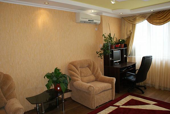 Однокомнатная квартирапосуточно в Феодосии. п.Приморский ул Южная, 11. Фото 1