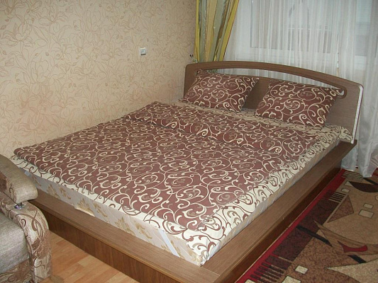 Однокомнатная квартирапосуточно в Черкассах. ул. Гагарина, 83. Фото 1