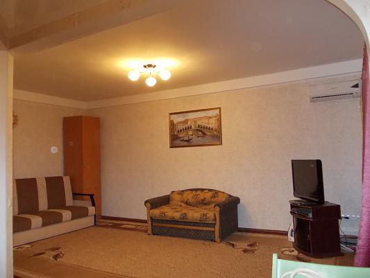 Однокомнатная квартирапосуточно в Запорожье. Хортицкий район, ул. Гудыменко, 40. Фото 1
