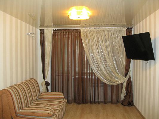 Однокомнатная квартирапосуточно в Ильичёвске (Черноморске). ул. Парковая, 16. Фото 1
