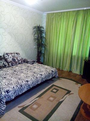Однокомнатная квартирапосуточно в Комсомольске (Горишних Плавнях). Ленина, 66. Фото 1