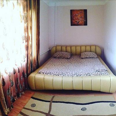2-комнатная квартира посуточно в Днепре. ул. В.Винниченка (Куйбышева), 5-А. Фото 1