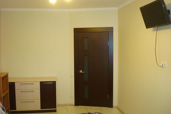 Двухкомнатная квартирапосуточно в Одессе. Киевский район, ул. Мизикевича, 6. Фото 1
