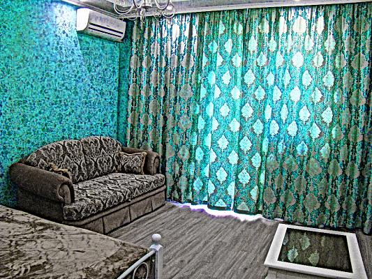 Однокомнатная квартирапосуточно в Севастополе. Гагаринский район, пр-т Античный, 12. Фото 1